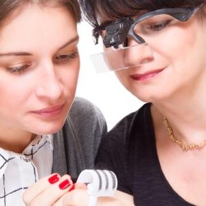Gafas lupa con Dual LED y 5 objetivos diferentes, banda desmontable para la cabeza y pilas