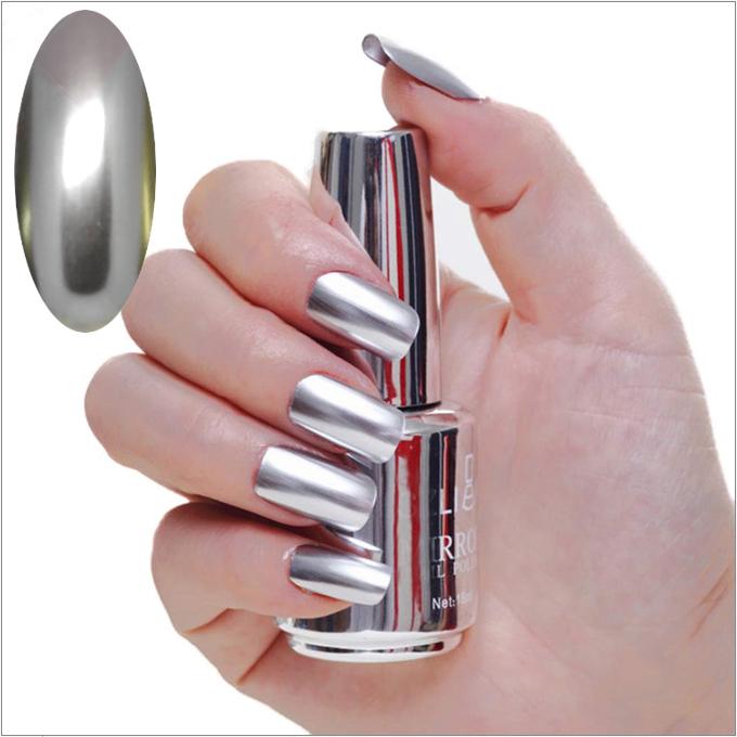 Esmalte de uñas con efecto de espejo, metalizado