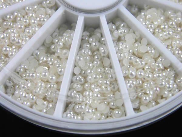 600 pequeñas perlas en el arriate circular